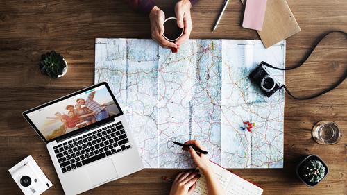 Den Urlaub online planen